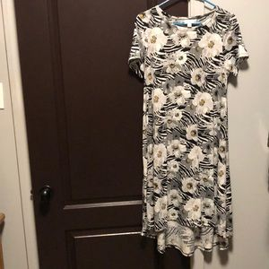 Small lularoe Carly dress!
